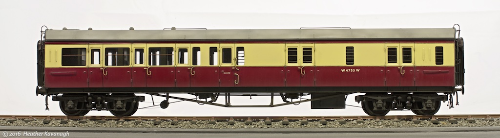 JLTRT 7mm scale kit of a Collett 57ft Bow-ended D94 Brake Third coach.