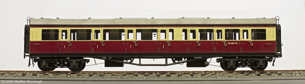 JLTRT 7mm scale kit of a Collett 57ft Bow-ended E127 1st/3rd composite coach.